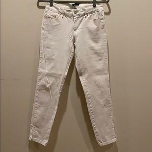 WHBM size 4 white Skimmer pants